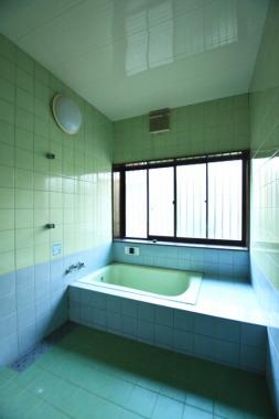 「浴室」Before