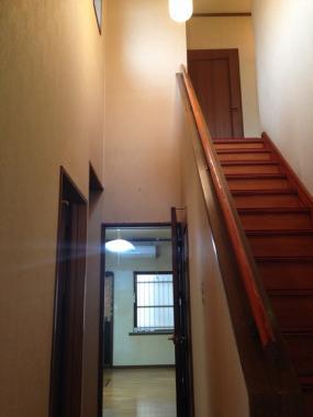 「階段吹き抜け」Before