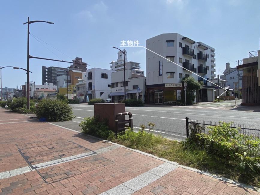 柳川県道沿いのビルの隣の土地です!近隣商業施設多数で生活便利です!