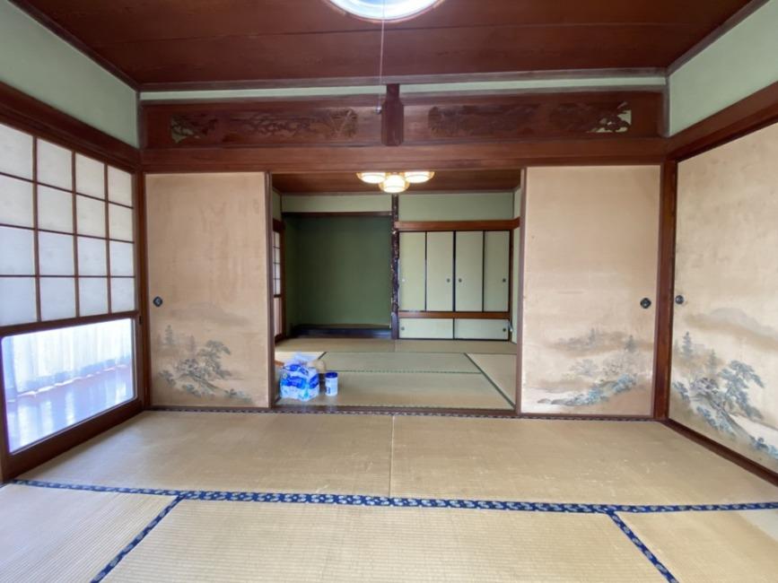 6帖の二間続きです。建具を開ければ12帖の大きな和室として使用可能です!