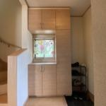 窓と採光できる玄関ドアで明るいです!