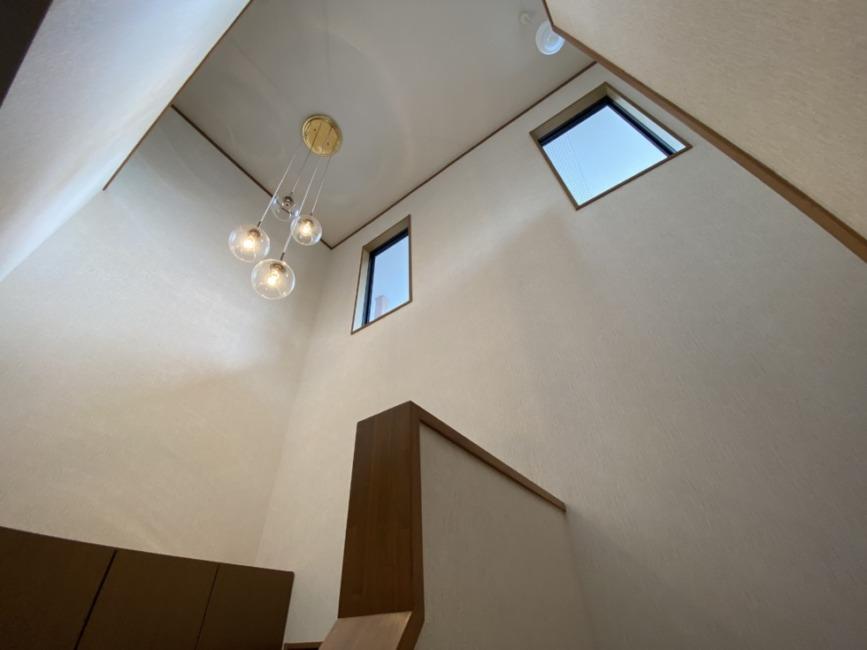 2階階段ホールの吹抜です!(内装)