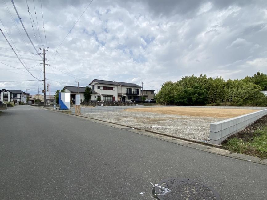 前面6m道路東側から撮影。