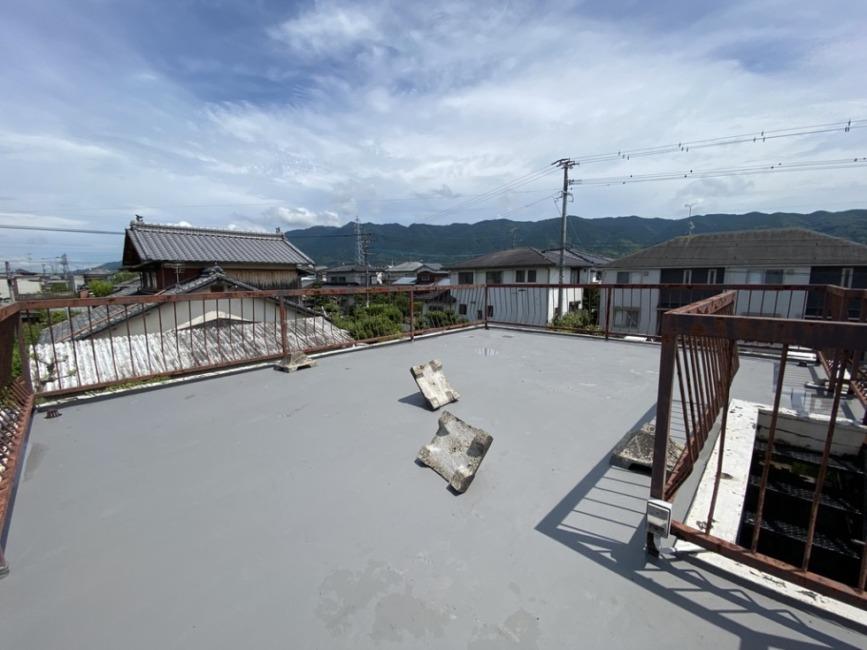 リビングの上は屋上があります! 高い建物もすくなく景観が素敵です!