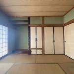 リビングにつながる6畳の和室です。床の間、ご仏間、押入れがあります。