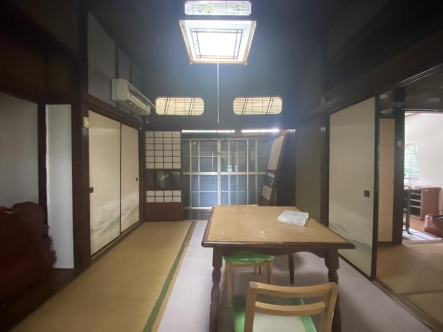 6畳。広縁と4.5畳の和室と繋がっています。