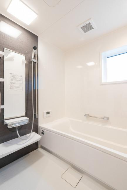 広々バスルーム(風呂)