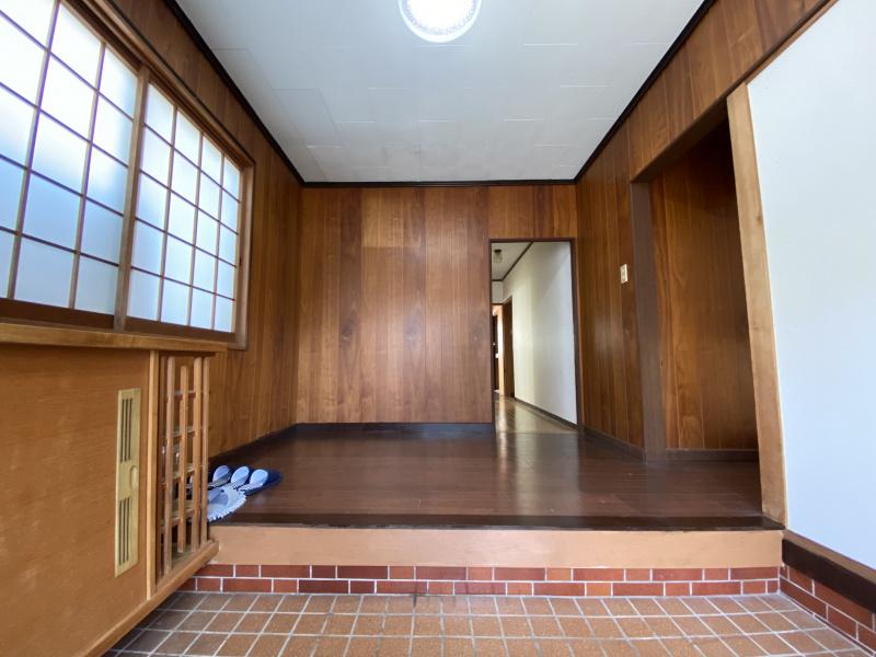 玄関ホール1F(玄関)