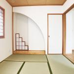 和室:おしゃれな床の間付きです。リビングと繋がっています。